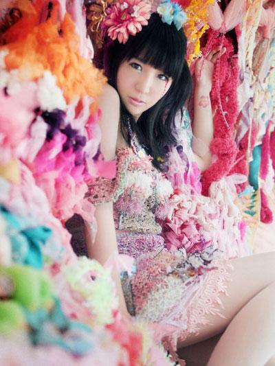http://www.carnation-web.com/news/oomoriseiko_ninagawa_web.jpg